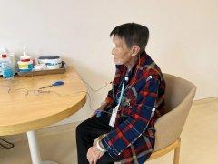 【仁品案例】87岁婆婆听力不好,配上助听器她想买部智能手机